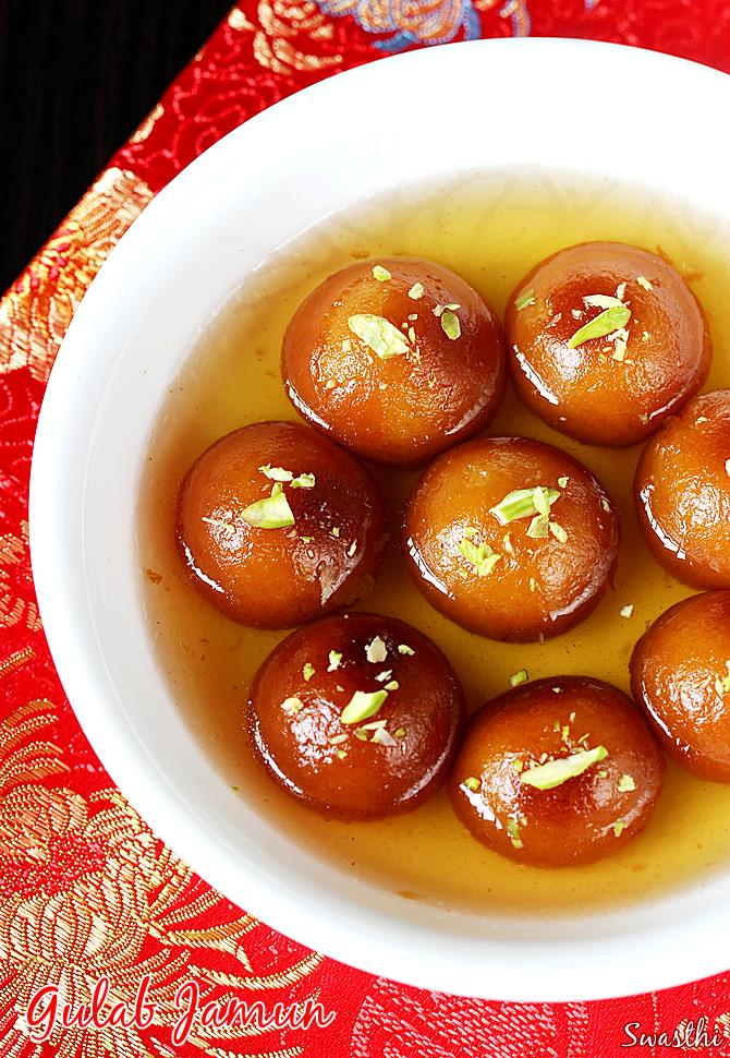 Gulab Jamun recipe – Gulab Jamun Recipe with Khoya or mawa